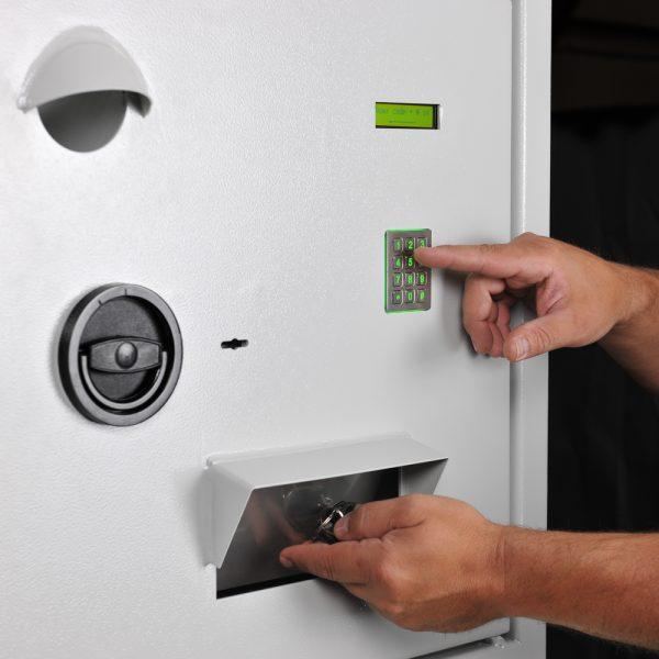Système de gestion électronique des clés. Mustangsafes